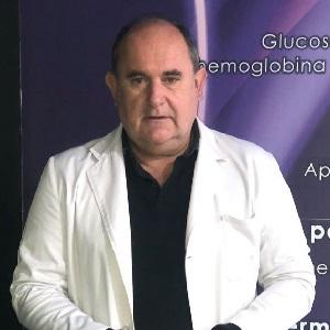 Miguel Hernández García, Farmacéutico